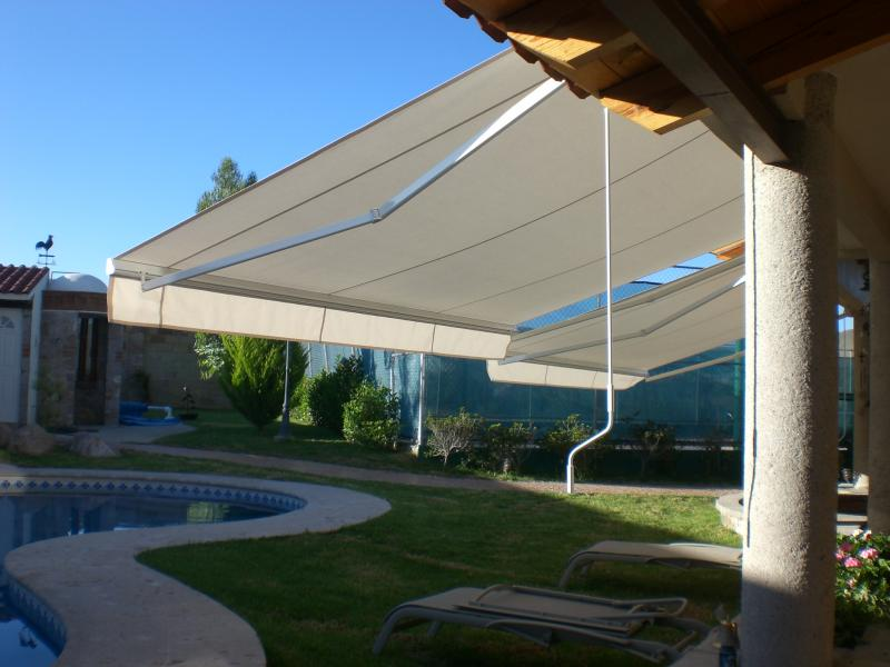 Toldo Brazo Invisible Retractil